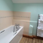 7 Bathroom Crooked Oak